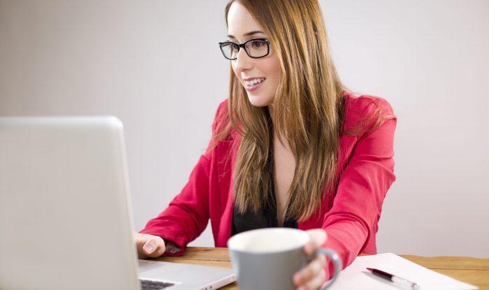 adult-businesswoman-coffee-265036